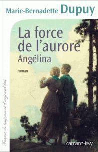 La force de l'aurore. Angélina. Ariège, 1882. Angélina et son mari Luigi reviennent à Saint-Lizier après un pèlerinage à Saint-Jacques-de-Compostelle. La jeune femme, enceinte de quatre mois, a hâte de retrouver son dispensaire et d'exercer à nouveau son métier de sage-femme. Elle ne mesure pas la haine aveugle que lui voue l'épouse de son ancien amant, Guilhem Lesage, qui ne s'est jamais véritablement dépris d'elle. Découvrant par hasard qu'Angélina a pratiqué un avortement sur sa servante…