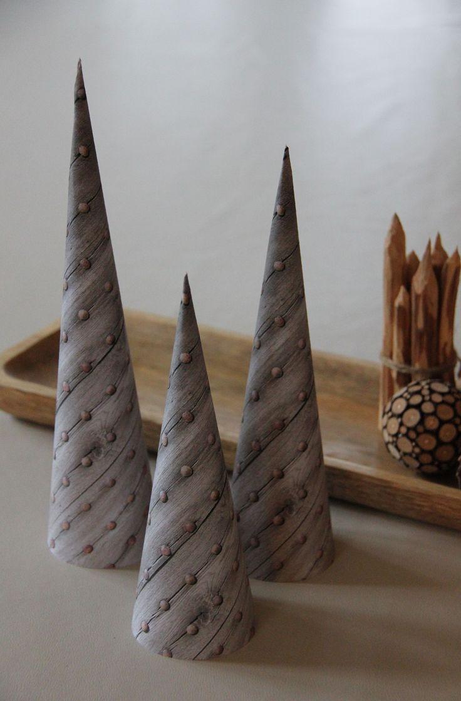 Kegle-juletræer