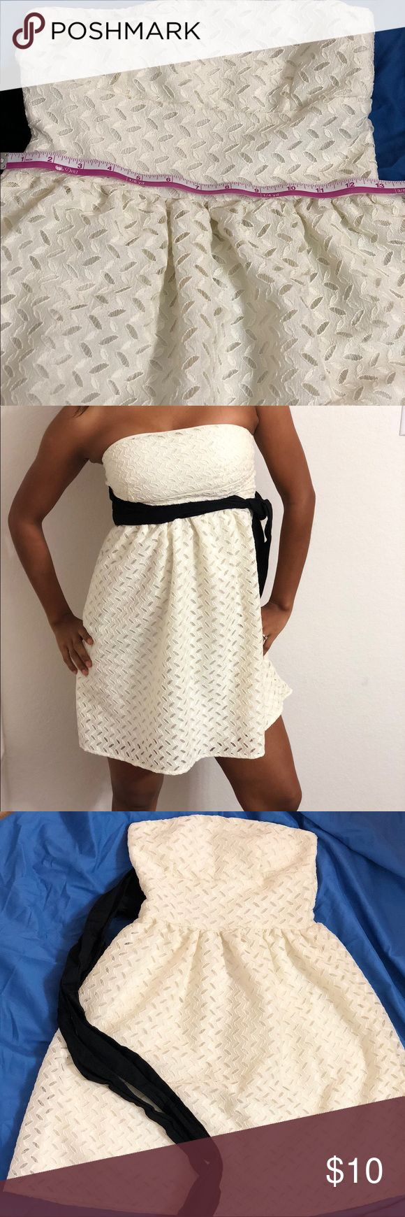 Wet  seal white dress, size S Wet  Seal white short dress, preowned. Please look carefully at all the pictures Wet Seal Dresses Strapless