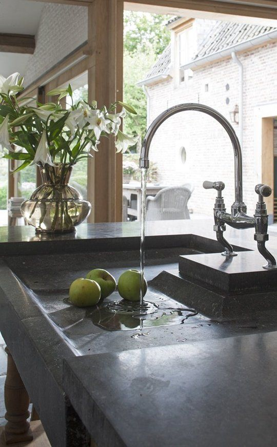 http://www.apartmenttherapy.com/the-worlds-most-beautiful-kitchen-sinks-208369?utm_source=RSS