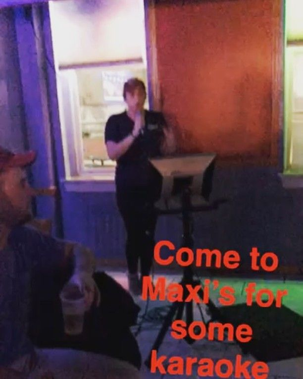 Make @maxis_tu your destination for karaoke  sometimes our workers even join ya night specials of $4 long islands & $2 yuengling draughts    #maxis #maxistu #maxistemple #maxisbar #temple #templeowls #tu #college #collegelife #collegefood #philadelphia #philly #phillybar #phillybars #phillyfood #phillyfoodies #phillyeats #eagles #eaglesnation #phillies #flyers #karaoke #karaokenight #karaokebar