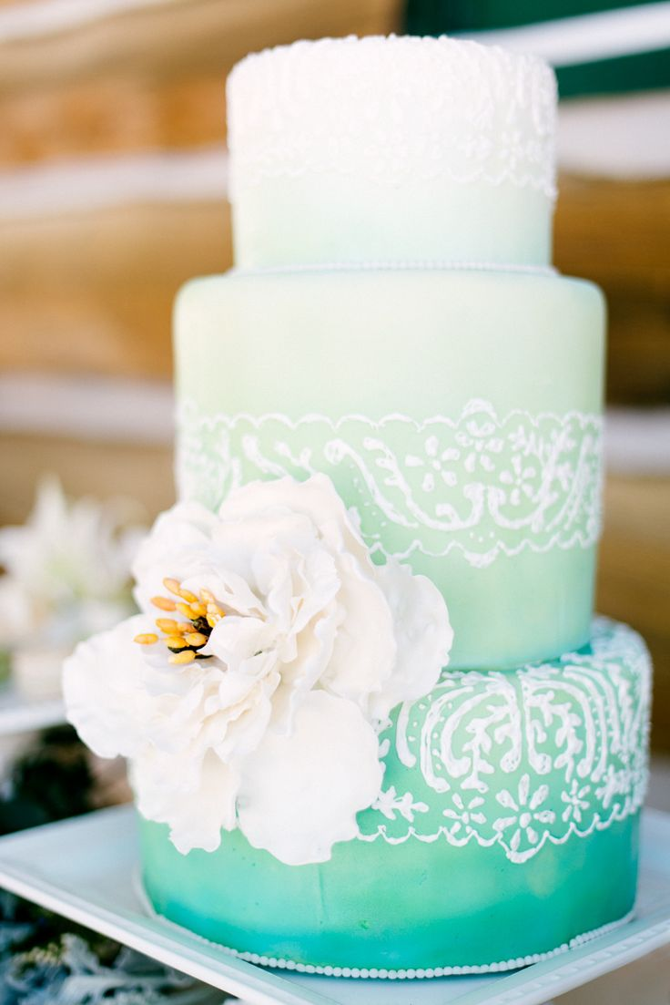The Mint colour of this cake is exquisite! #wedding #cake #ombre