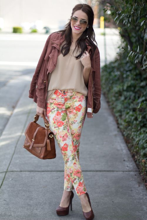 floral pants & love the color of the jacketFloral Prints, Floral Trousers, Motorcycles Jackets, Flower Prints, Fashion Inspiration, Beautiful Blog, Floral Pants, Floral Jeans, Floral Pattern
