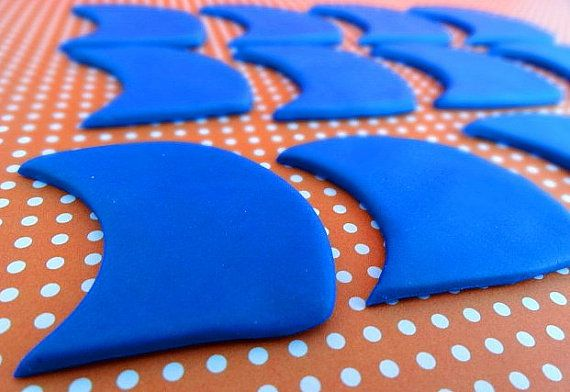 12 Fondant edible cupcake toppers  Shark fins by TopCakeDecors, $11.95