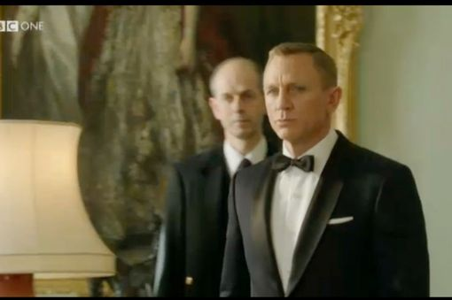 The Queen calls on Bond 7/2012 The 27th Summer Olympics hosted by Great Britain for a record 3rd time.