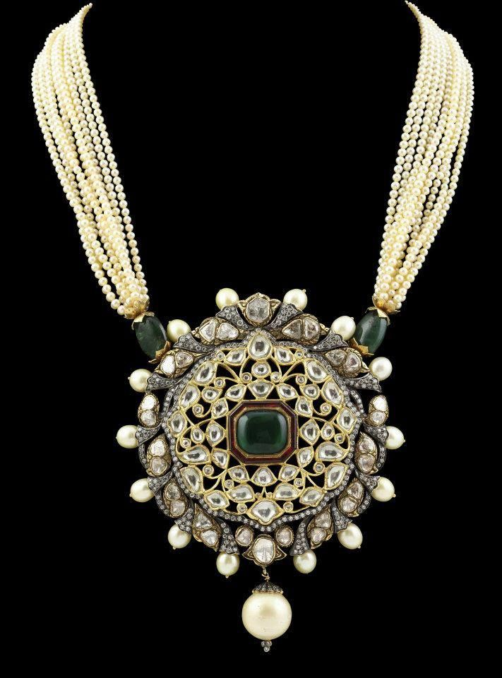 Emerald, diamond and pearl necklace.