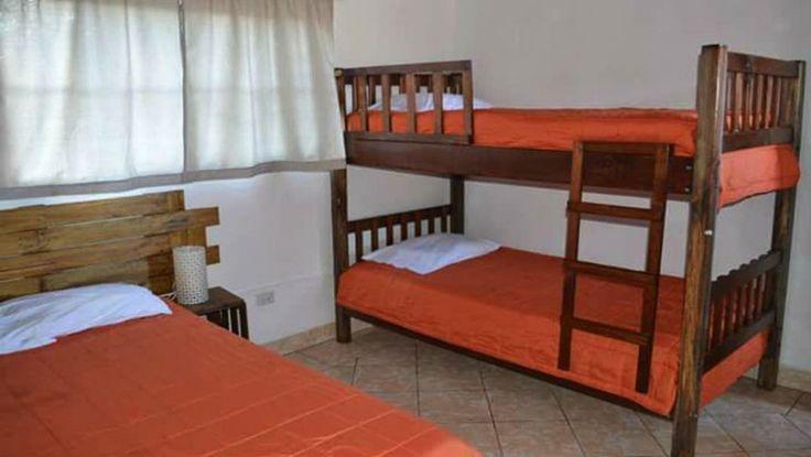 MOSAICA BISTRO HOTEL  Este es un hotel muy lindo y sencillo que se encuentra en Antigua Guatemala, cuentan con habitaciones dobles y triples las que puedes reservar con anticipación. Lo mejor de todo es que cuentan con constantes descuentos que publican en sus redes sociales. Si quieres una opción cómoda y económica puedes llamar a Mosaico Bistro.