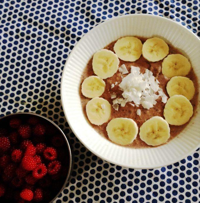 Chiagrød - godt til morgenmaden, snackmåltid og små desserter Med få dage til skolestarten er jeg igang med atplanlægge nye morgenmadsretter. Det er nemlig sådan at jeg sjældent servere det samme til børnene flere dage i træk. Ganske enkelt fordi jeg af erfaring ved, at der helst skal ....
