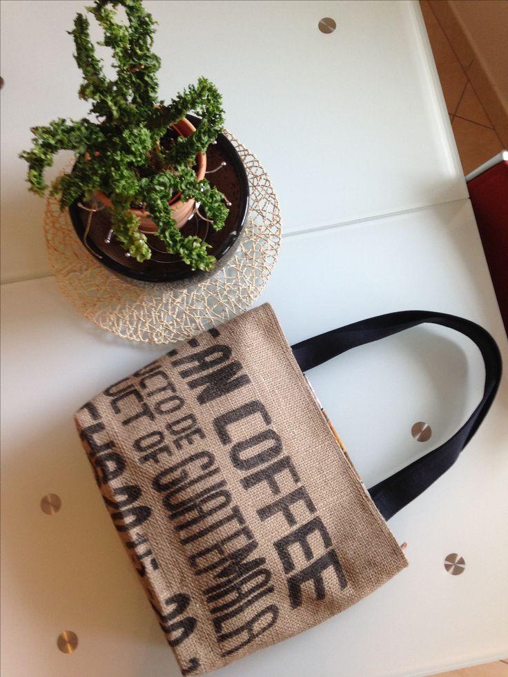 borsa in tela di juta recuperata da sacchi del caffè - chiusura con cerniera -