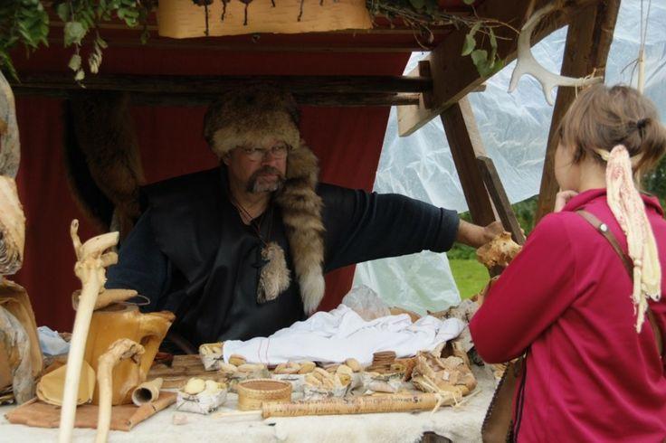 Hämeen keskiaikamarkkinat - Häme Medieval Faire 2008, Myyjä - Vendor, © Timo Martola
