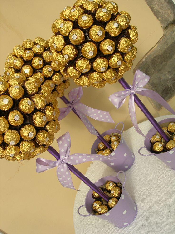 Árboles de Ferrero Rocher,  deliciosos!!                                                                                                                                                                                 Más