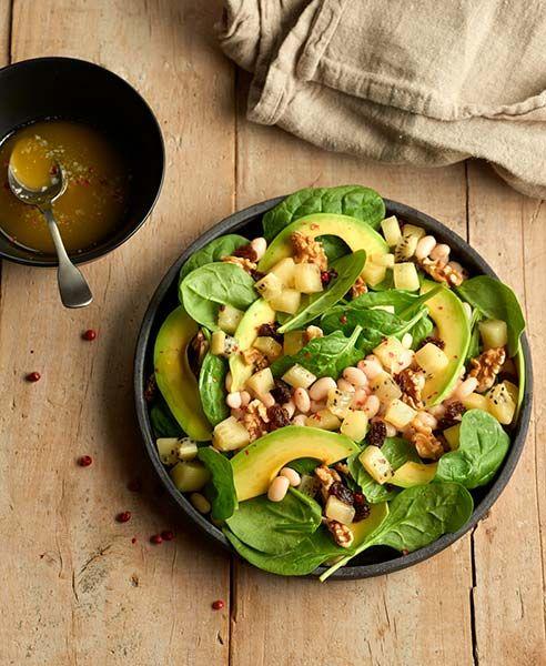 Salade van spinazie, bonen, avocado en Zespri Green kiwi