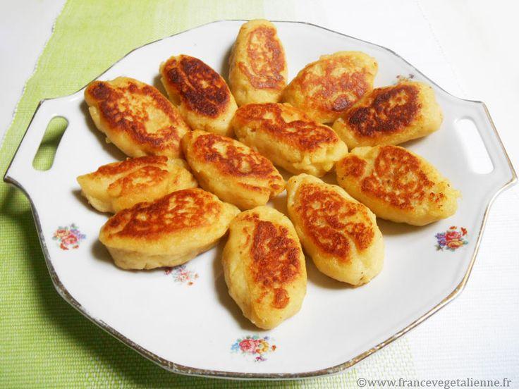 Les floutes sont des sortes de petites quenelles à base de purée de pomme  de terre, mais poêlées plutôt que pochées à l'eau. Au lieu de dorer les  floutes à la poêle, certains les passent au four.  On peut les agrémenter de sauce tomate ou de crème végétale.  Appréciées des modestes budgets é