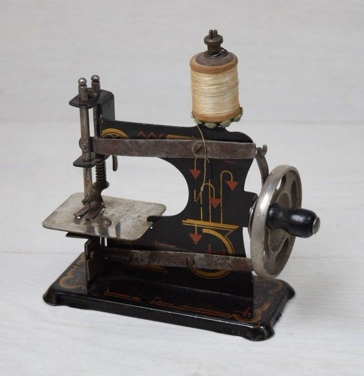 Antique Collectible WWII Germany Miniature Sewing Machine Hand Crank Eagle Stamp #Germany