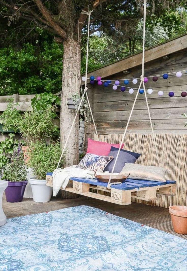 Decorar el porche con un columpio, una buena idea para el verano