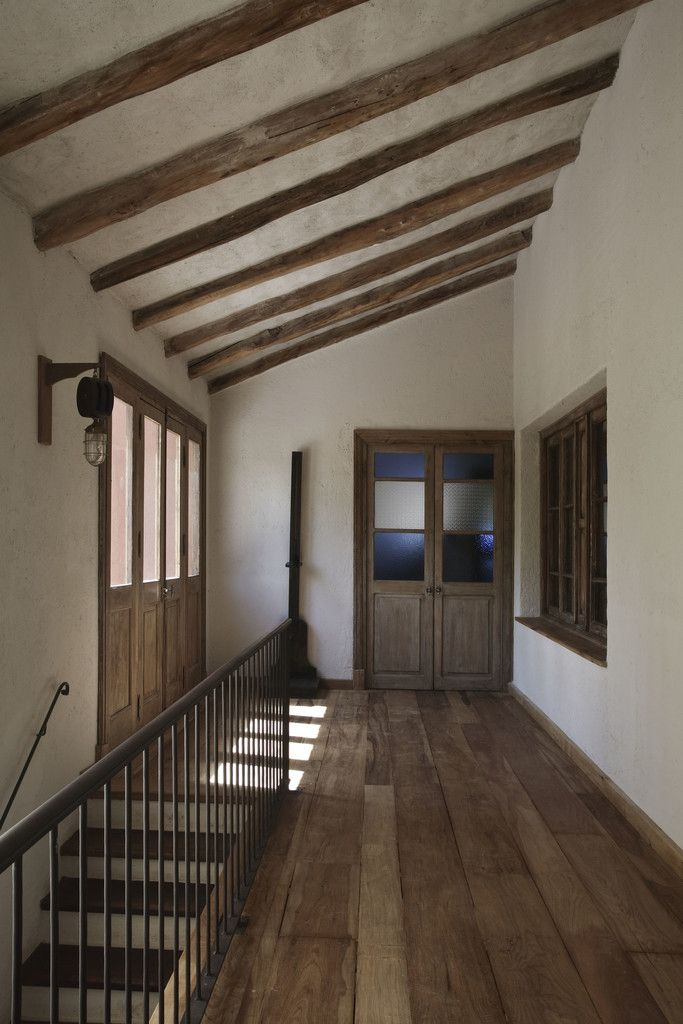 Mid Century Modern Living Room Ottoman