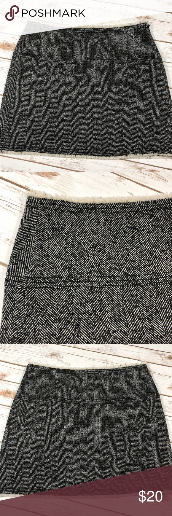 J. Crew Wool Black & White Mini Skirt 8 Super adorable with a side zip closure the waist measures 16.5 in the length is 16in. The hip measures approx 18.5in. 90% Wool 10% nylon. Dry clean only . Any questions please ask J. Crew Skirts Mini