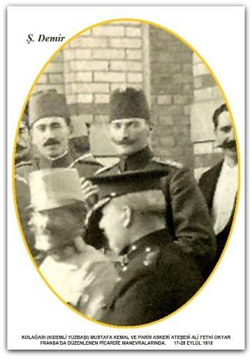 KOLAĞASI (KIDEMLİ YÜZBAŞI) MUSTAFA KEMALVE ARKADAŞI ALİ FETHİ OKYAR FRANSA'DA DÜZENLENEN PİCARDİE MANEVRALARINDA. 17-28.09.1910