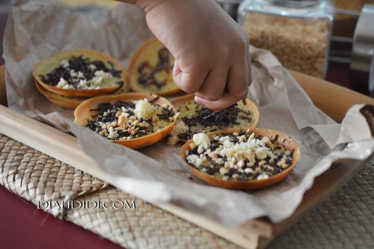 Diah Didi's Kitchen: Tips Membuat Martabak Mini