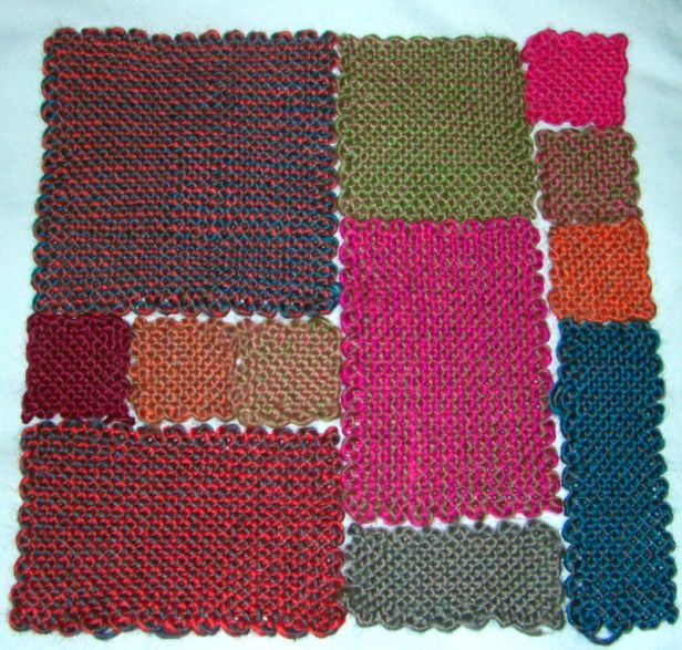Using multiple sizes of pin looms to create a throw blanket