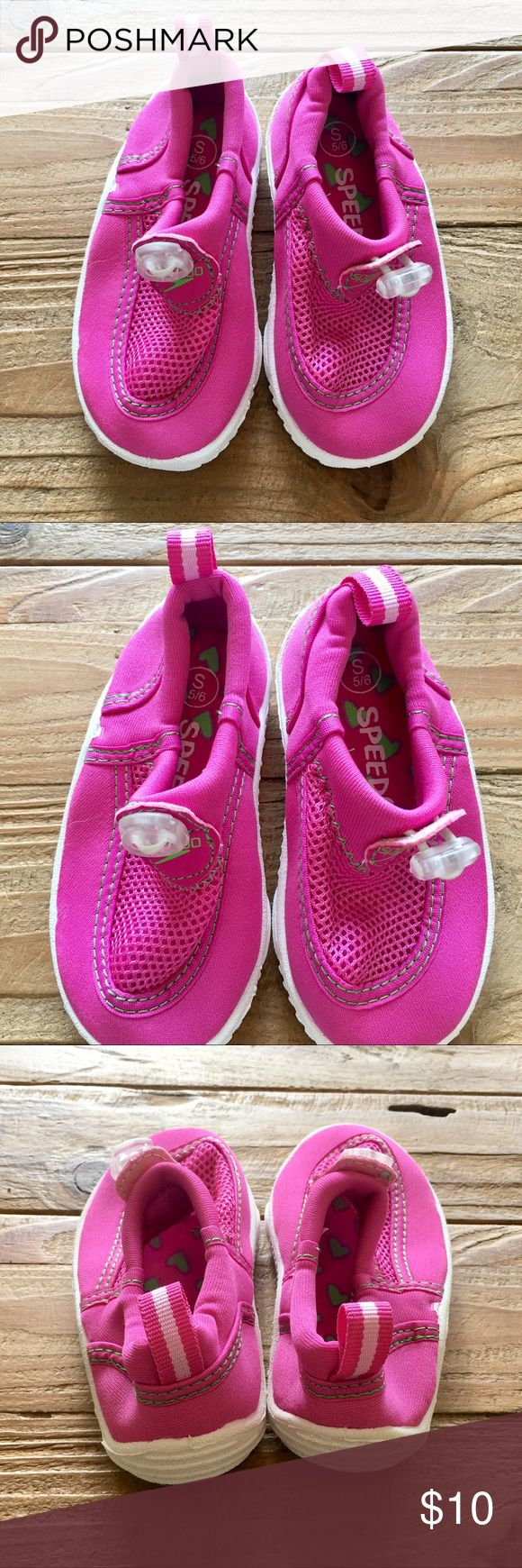 Girls Water Shoes NWOT Girls Speedo water shoes in pink. Never worn. Perfect condition. Speedo Shoes Water Shoes