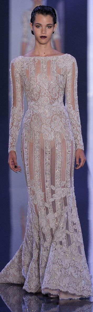 Ralph & Russo Couture F/W 2014-2015 What happened to lining? Beautiful dress. Crotch shots - ugh.