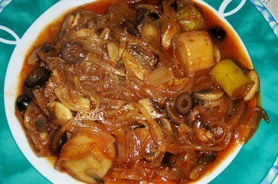 Bucataresele Vesele-retete culinare,retete ilustrate: Mancarica cu Praz , Masline si Ciuperci