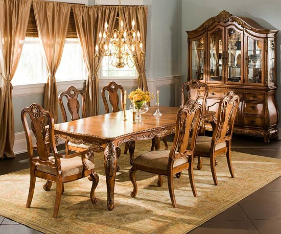 Classic Dining Room Collections From Raymour U0026 Flanigan