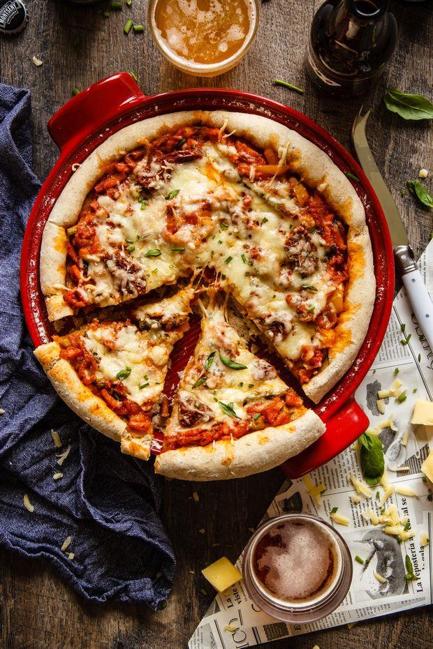 Pizza de cerveza {con salsa a la cerveza}