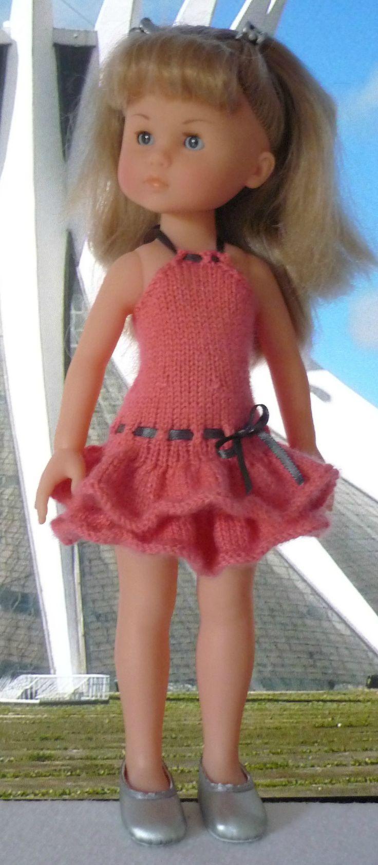 Robe à volants pour poupée Chérie: 1) http://marieetlaines.canalblog.com/archives/2014/05/05/28512291.html 2) http://p2.storage.canalblog.com/21/55/1066432/91973257.pdf