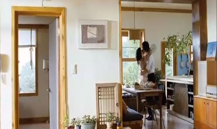 kitchen snapshot from korean movie the naked kitchen