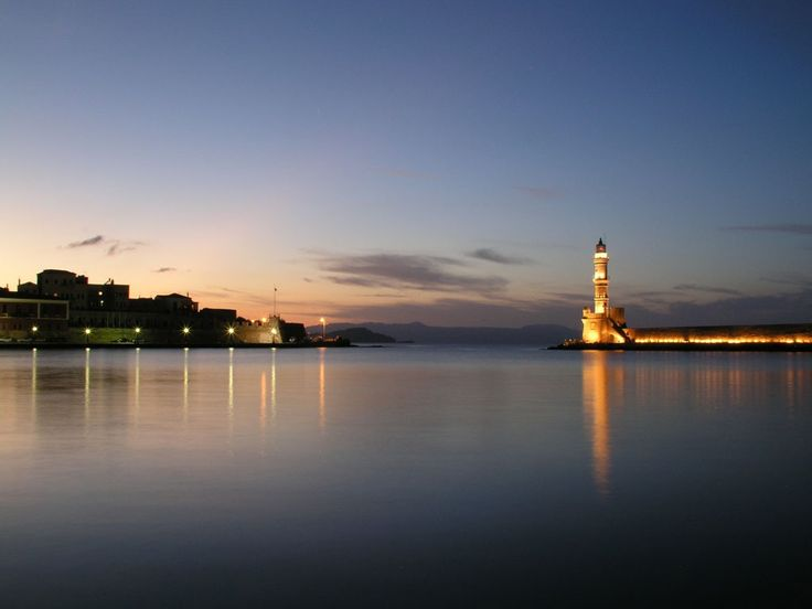 The Chania old port is magic during the nightfall 💛