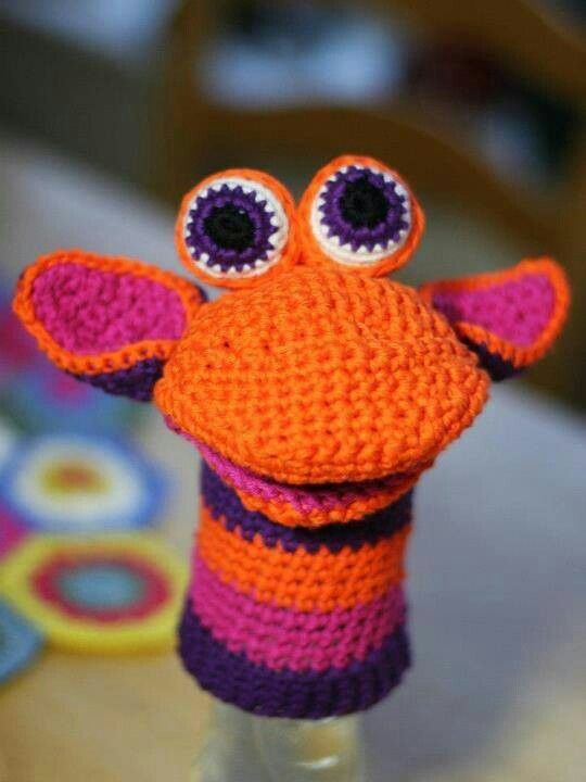 No pattern. but I can't read a crochet pattern anyways, just inspiration for a crazy giraffe hand puppet.