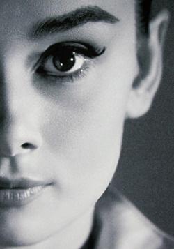 Audrey: Cat Eye, Style, Classic Beautiful, Audrey Hepburn, Breakfast At Tiffany, Audreyhepburn, Icons, Eyebrows, People