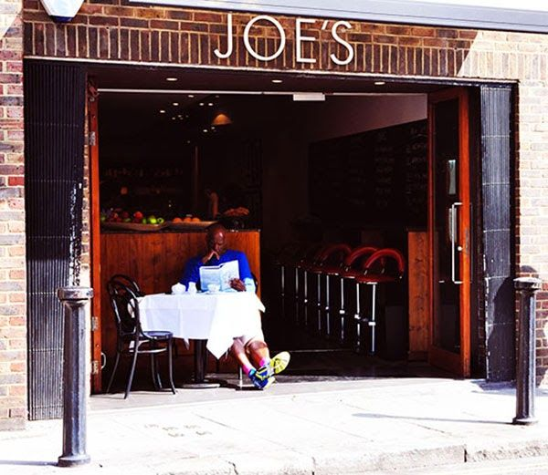 A touch of red #London | VICKOS diary London  Joe's  Fulham  Red  Still Life
