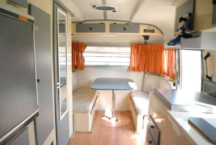 17 ft White  grey boler table  Bolers campers