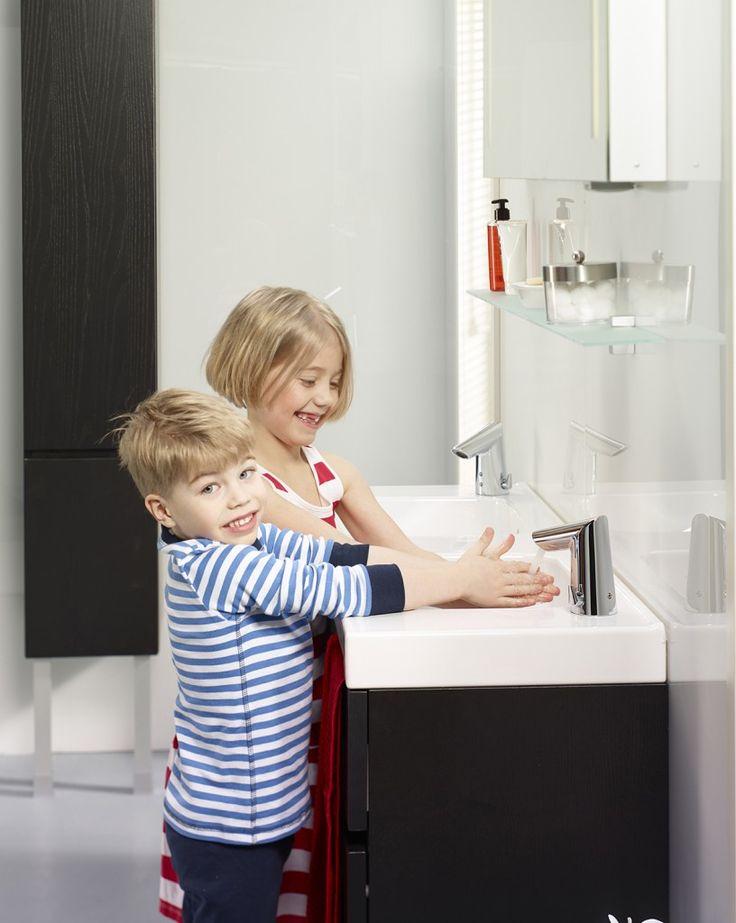 Electronische wastafelkraan: stopt automatisch na een aantal seconden, dus geen onnodige waterverspilling.