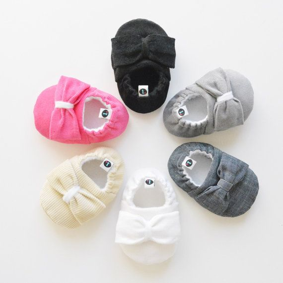 Baby Shoes: Big Bow Theory // baby slippers baby by littleKMD