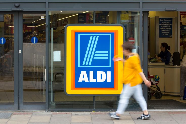PRICE WAR Aldi and Lidl push up the price of milk and bananas as falling pound puts pressure on supermarkets #Aldi #Lidl #PriceIncrease #Supermarkets #PriceWar https://www.thesun.co.uk/living/2245698/aldi-and-lidl-push-up-the-price-of-milk-and-bananas-as-falling-pound-puts-pressure-on-supermarkets/