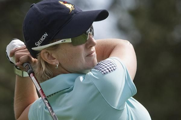 LPGA Tour veteran Karrie Webb fired a 7-under-par 65 on Thursday to grab a one-shot lead after the first round of the Aberdeen Asset…