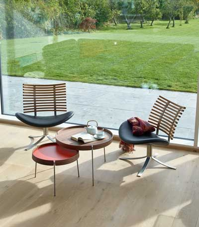 Naver Collection har med Turn produceret et rigtig flot og moderne bakkebord der passer ind i langt de fleste boligindretninger. #design #navercollection #sofaborde #boligindretning