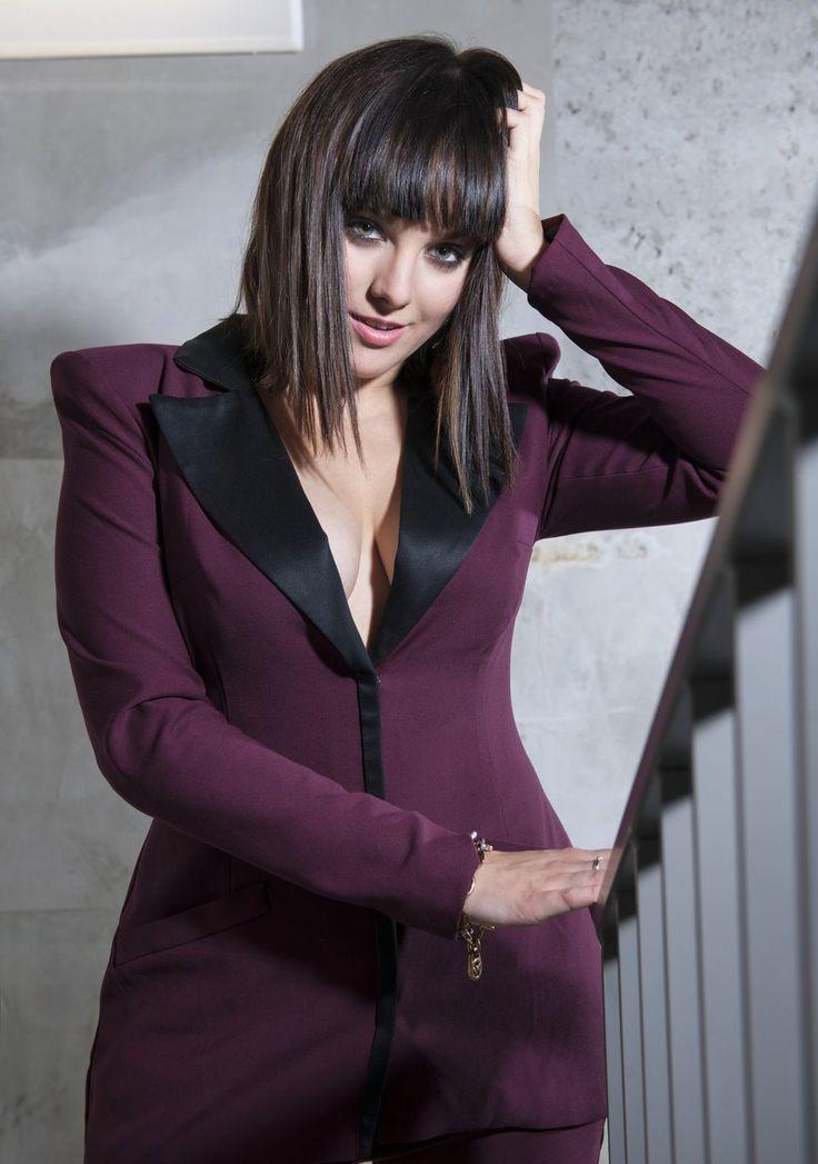 Zpěvačka Ewa Farna prý plánuje nafotit vkusné akty.