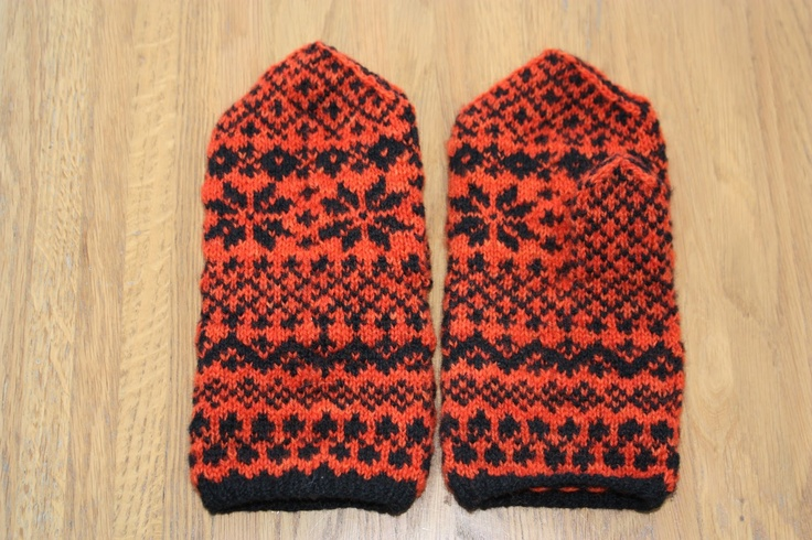 Mittens from Iveland in Norway.
