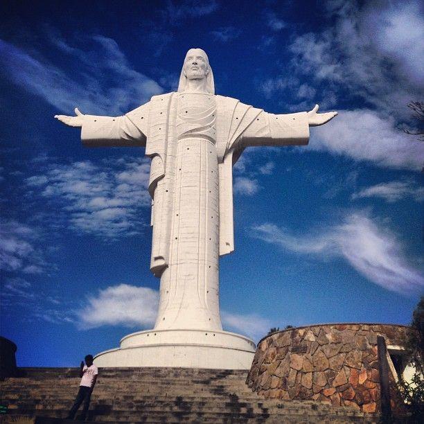 Monumento Cristo De La Concordia Bolivia Travel Jesus Statue Bolivia