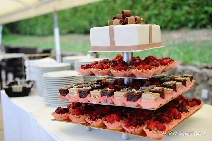 Hochzeitstorte Muffins und Cupcakes  Hochzeitstorten  Pinterest ...