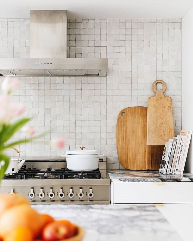 Winter Whites Ending Soon 15 Off Free Shipping On Zellige And Cement Tiles Link To Shop In Profile Trendy Kitchen Tile Square Kitchen Brooklyn Brownstone