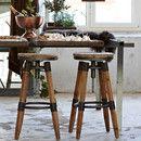 Deze stoere industriële barkruk is verstelbaar in hoogte en is gemaakt van oud hout in combinatie met stalen dragers. Het stoere stalen frame in combinatie met het naturel hout geeft de kruk een...