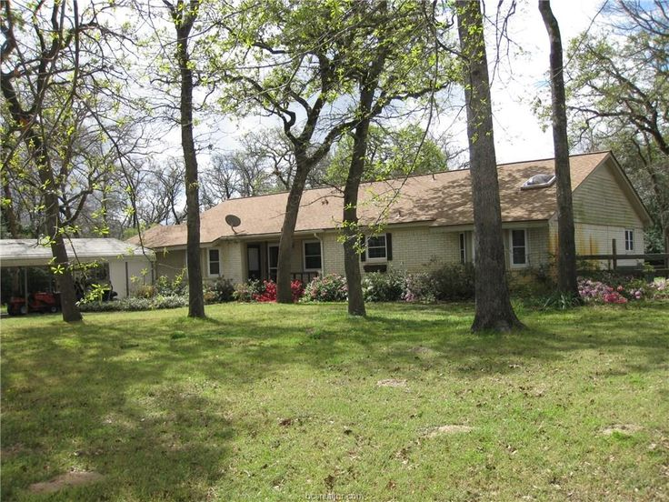 36 Trail Ride Hilltop Lakes TX 77871 This One Story 4 Bedroom 2