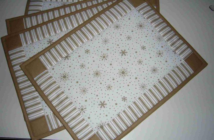 """<span>Vánoční patchwork - prostírání -béžová s bílou   <a href=""""http://img.flercdn.net/i2/products/9/3/6/131639/5/7/5750225/bmxkadqntlrfwi.jpg"""" target=""""_blank"""">Zobrazit plnou velikost fotografie</a></span>"""