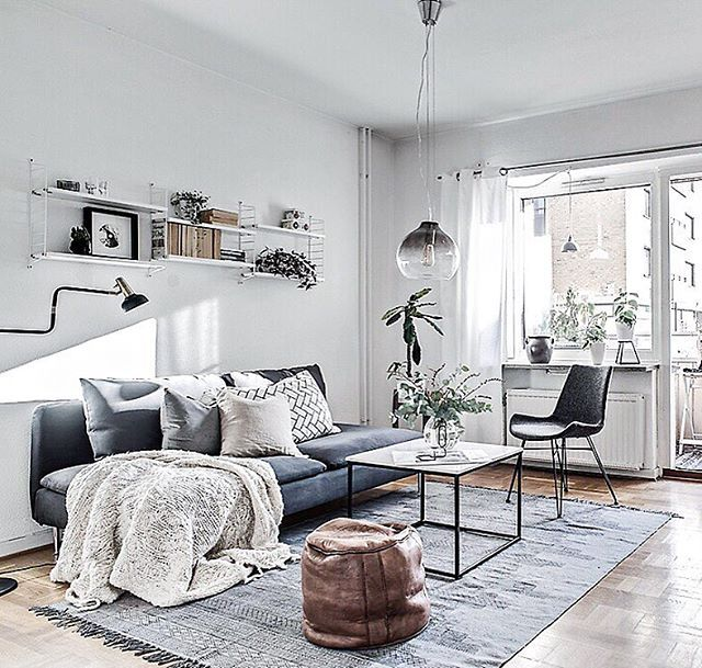 Sunday inspiration. Styling for @bjurfors_goteborg, broker Zara Ek. Photo @mariasahlander. #inredningochdesign1 #stylebynorth #hilkeindesign #interiorbym #tendesignnorway #detaljen_ #homeinterior4you #min42a #plazainteriör #ssevjen #designfabriken #rebeqqa #designadehem #mynordicroom